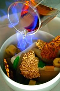 Plátano, pera y coco con Mezcal quemado