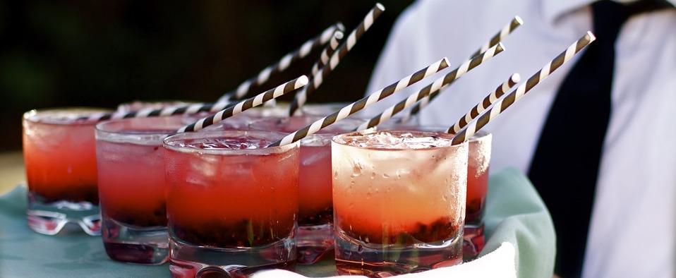 cocktail con hielo - creative signtures