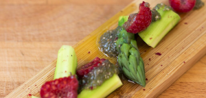 Esparragos con caviar de chia Rodrigo de la Calle curso alta cocina con verduras Creative Signatures